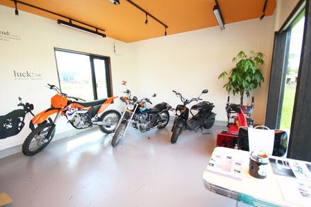 バイク販売店舗